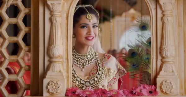 10 *Genius* Tips To Save A LOT On Your Bridal Lehenga!