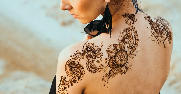 Why 'Back Mehendi' Is The New Trend EVERY Bride Must Try!