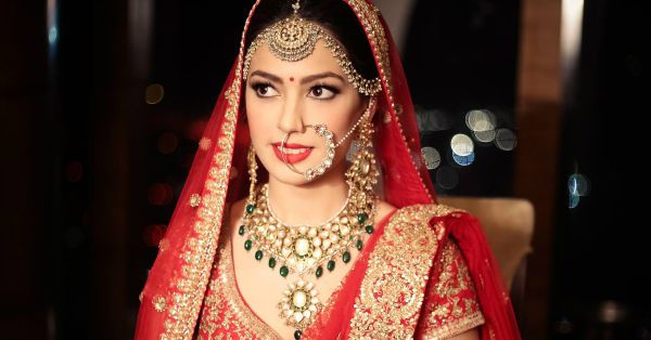 10 Brides Who Wore Neck Pieces That Were Just. Too. Stunning!