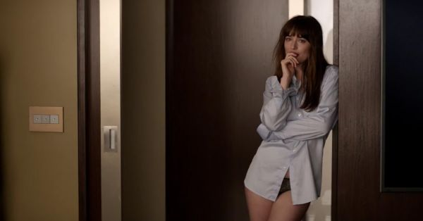 10 *Erotic* Terms From 'Fifty Shades Of Grey' & What They Mean!