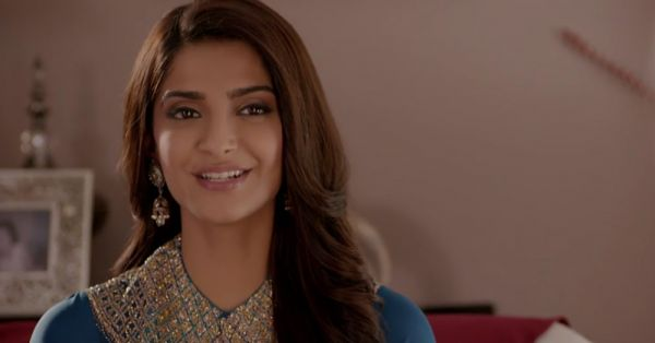 9 Simple Tips To Make Sure Your Kajal Doesn't Smudge ALL Day!