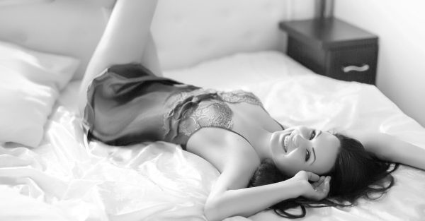13 Ways To Be… Even *More* Sexy In Bed With Him!