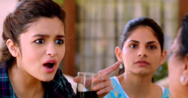 11 Things Every 'Pados Waali Aunty' Does… But WHYYY?!