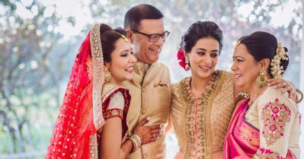 Getting Married Soon? Here Are 16 Cutesy Family Pictures You Must Get Clicked!