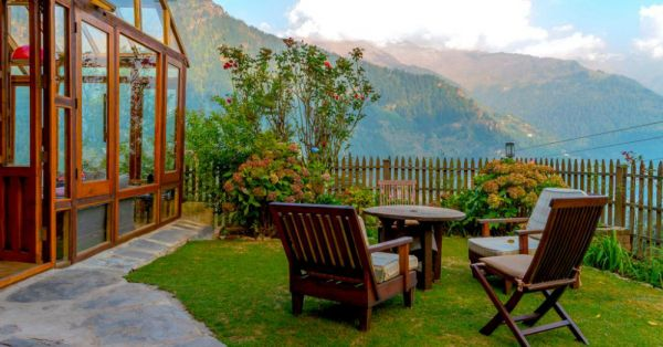 This Hidden Cottage In Manali Is Perfect For A *Dreamy* Honeymoon Escapade Amidst The Hills!