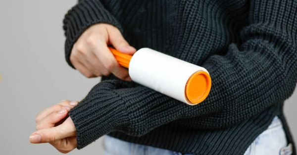 Easy & Clever Ways To Get Rid Of Lint From Your Clothes!