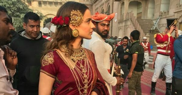 As Rani Lakshmi Bai, Kangana Ranaut Finally Looks Like The Queen She Really Is!
