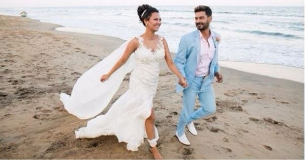 #KeRoGetsHitched: Keith Sequeira & Rochelle Rao Just Had The Beach Wedding Of Your Dreams!
