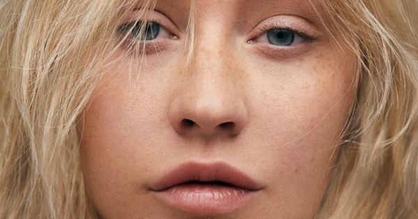 Christina Aguilera Dared To Go Bare (Faced) For A Photo Shoot And We Are Stunned!