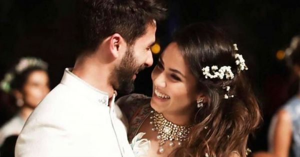 Shahid Kapoor Dedicates His Award To Wife Mira Rajput With The Most Adorable Speech!