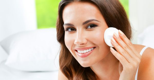 It's Not Just Oils And Vitamins, You NEED These Acids In Your Skincare Routine
