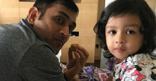 15 'Aww'dorable Father-Daughter Moments Dhoni and Ziva Have Given Us!