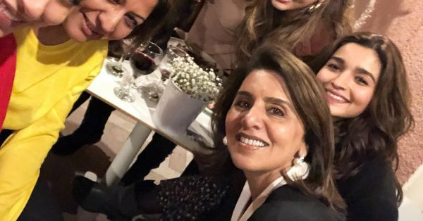 Neetu Kapoor Is Insta-Loving Alia Bhatt's Mother Soni Razdan Like An Ideal Samdhan-To-Be!