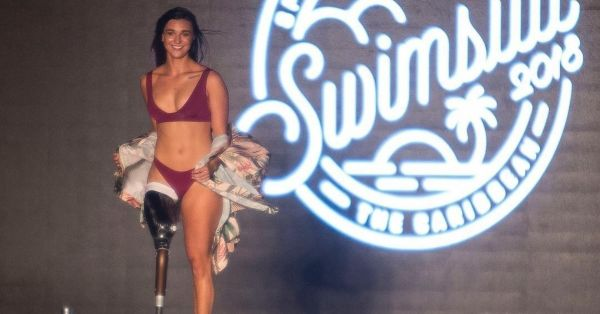 This Paralympic Gold Medalist Became The First Amputee To Walk The Ramp!