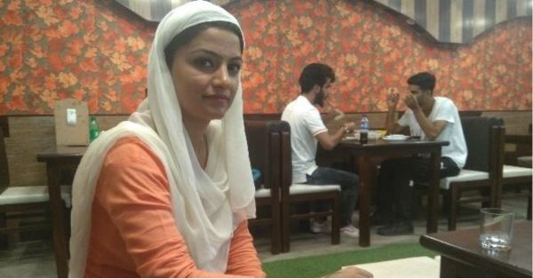 This 25-Year-Old Is The First Woman To Run A Cafe In Srinagar & We're So Inspired By Her