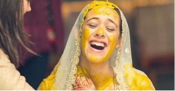 These Unseen Pics From Hazel And Yuvi's Wedding Prove That Happy Brides Are The *Prettiest*