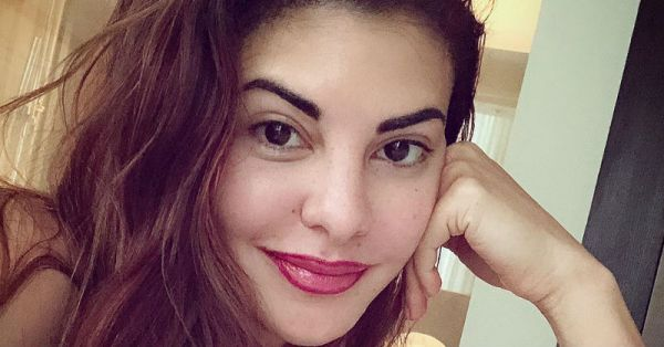 Did Jacqueline Fernanadez Just Bring Back A 90s Trend With Her New Look?