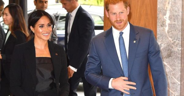 Meghan Markle & Prince Harry Break The Fashion Myth That Black & Blue Don't Go Together!