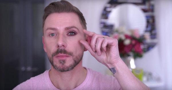 Wayne Goss's Eyeshadow Tutorial For Small Eyes Is The Best Thing That's Ever Happened To Me!