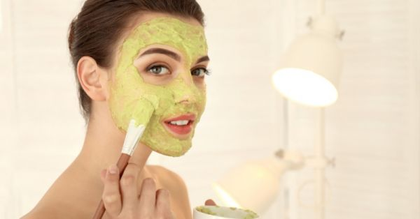 Complete Guide To Facial At Home - Natural Ingredients, Steps To Do Facial & More