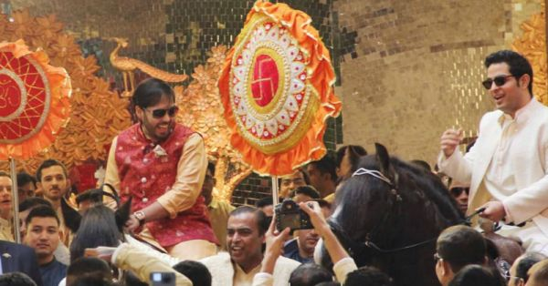 Ambani Brothers Welcome The Baraat On Ghodis & We Wonder How Dulhe Raja Will Enter