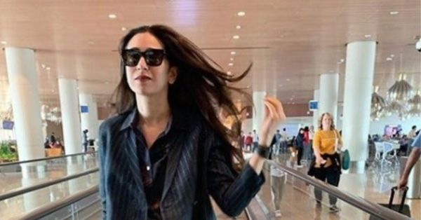 Work Blues Who: Karisma Kapoor's Latest Look Is An Insanely Chic Case Of Blue Done Right!