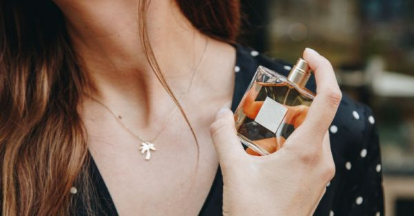 Shopping 101: The Right Way To Buy The Best Perfume For You!