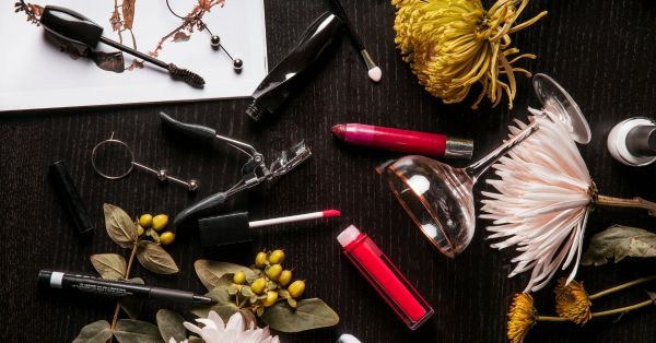 #TossThem: Makeup Products You Definitely Should Throw Away In 2019