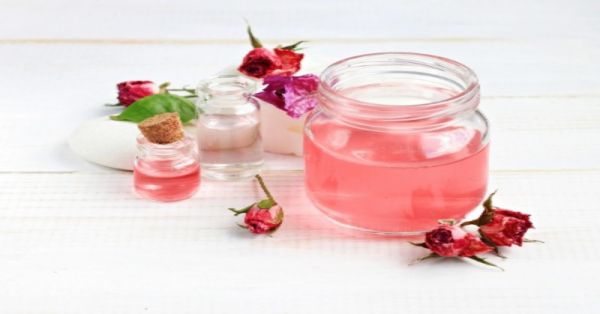 These 10 Benefits Of Rosewater Will Make You Grab A Bottle *Right Now*