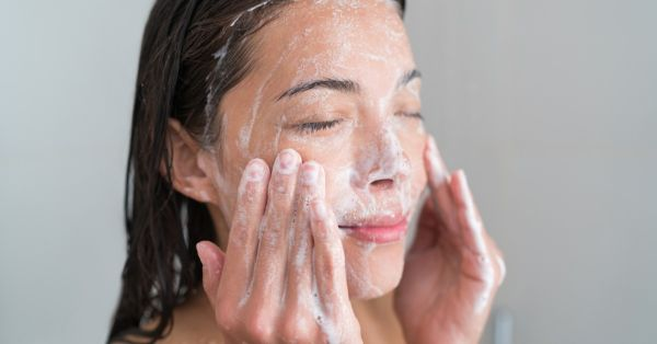 Bye-Bye Grease: 11 Best Face Washes For Oily Skin For Every Budget