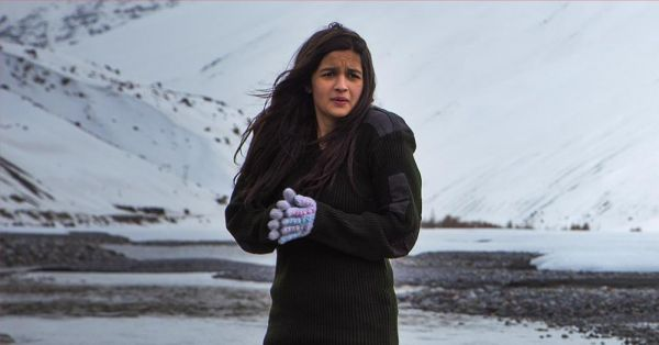 Yeh Hawa Kahan Se Aa Rahi Hai? 10 GIFs You'll Relate To If Your Office Is Always Freezing!