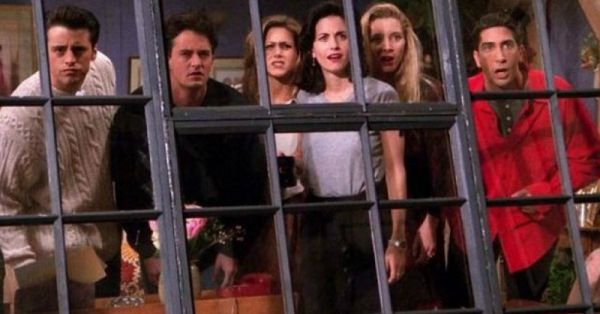 Ugly Naked Truth: 18 Things Even A Die Hard Fan Of 'Friends' May Have Missed