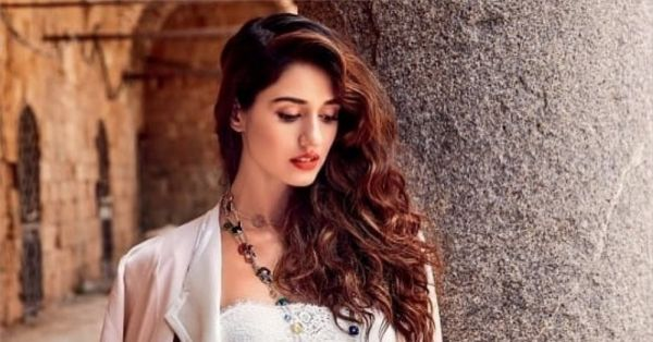 Want Abs Like Disha Patani's? Follow Her Amazing Diet & Fitness Routine!
