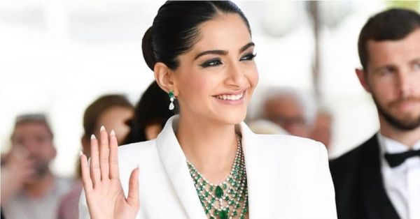 Sonam Kapoor Is A Power Princess At The Cannes Red Carpet & We're Running Out Of Tareefan!