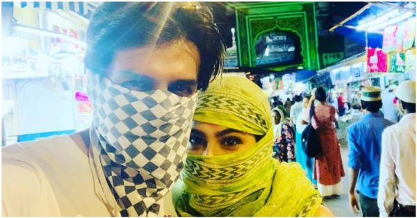 Well Played: Kartik Aaryan & Sara Ali Khan Cover Their Faces And Visit A Mosque On Eid