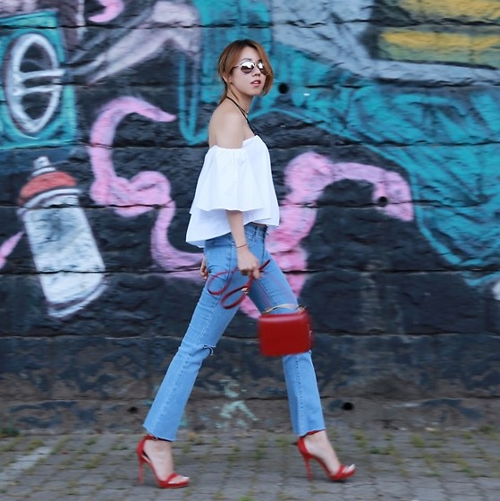 high waist jeans with layered top