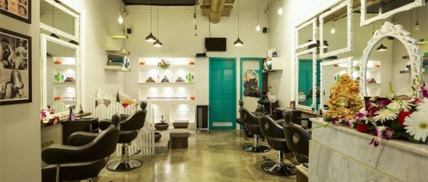 Need A Hair Makeover? These Are The 10 Best Hair Salons in Pune!