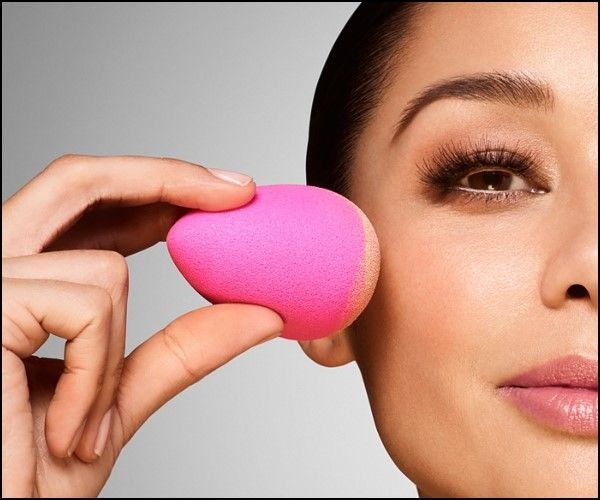 How to Use Beauty Blender in Hindi