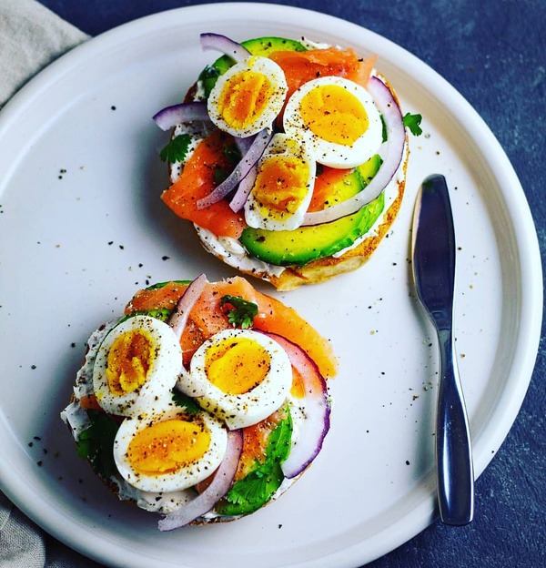 Healthy snacks to carry to work - Eggs