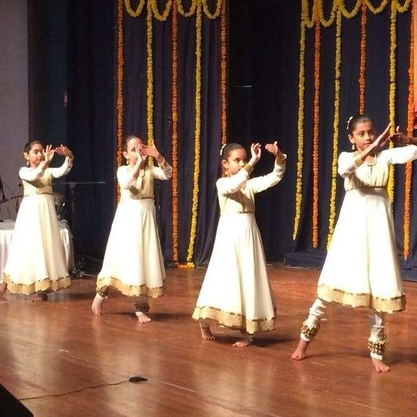 https://www.justdial.com/photos/pt-girdhar-chand-kathak-dance-and-music-academy-andheri-west-mumbai-dance-classes-for-kathak-55y1r-pc-76402300-sco-43khjmix