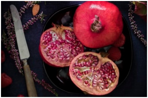 pomegranate is good for skin