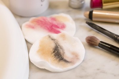 Micellar water Remove Makeup with Cotton pad