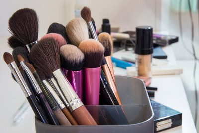 Micellar water to clean makeup brushes