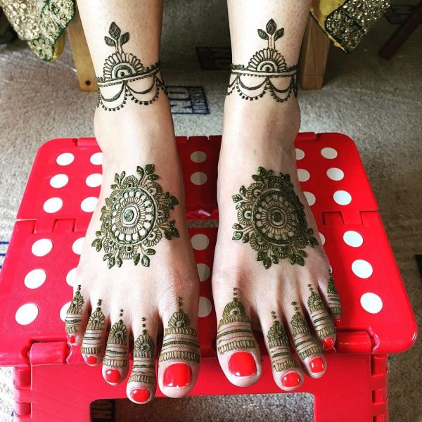 Arabic mehndi designs on feet