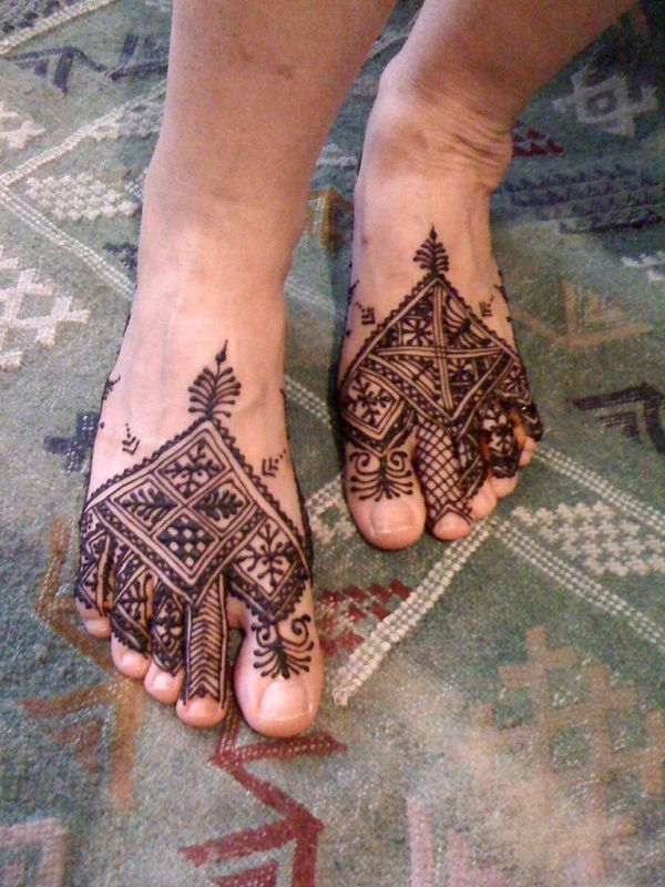 Moroccan tribal mehndi designs on feet