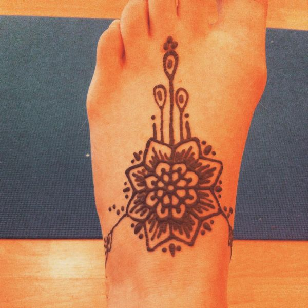 Beautiful Quirky Mehndi Designs On Feet