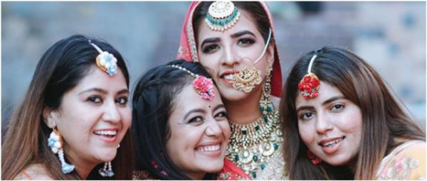 Neha Kakkar Turned Bridesmaid For Her Bestie & Now We Can't Wait To See Her As A Bride