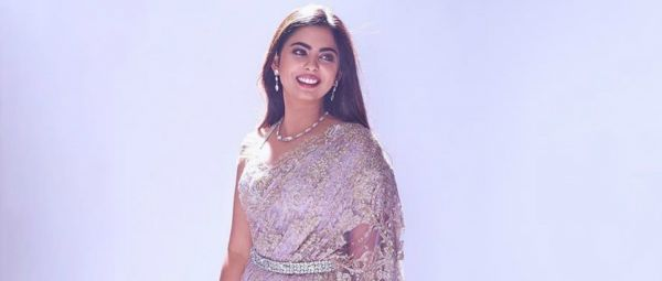Isha Ambani's Sheer Lilac Saree Is Perfect For Every Banno Ki Saheli This Wedding Season