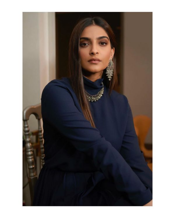 Sonam Kapoor Wearing Jhumkis and Necklace In Traditional indian wear