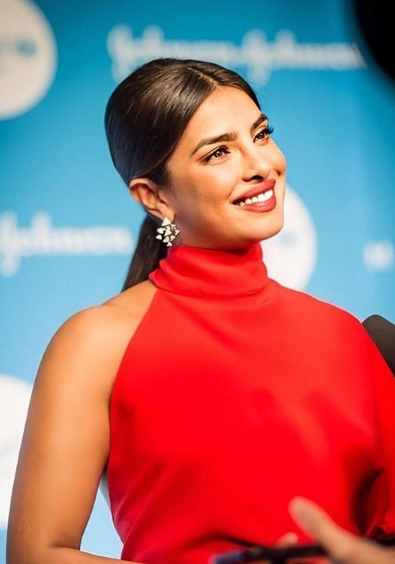 priyanka chopra in red gown